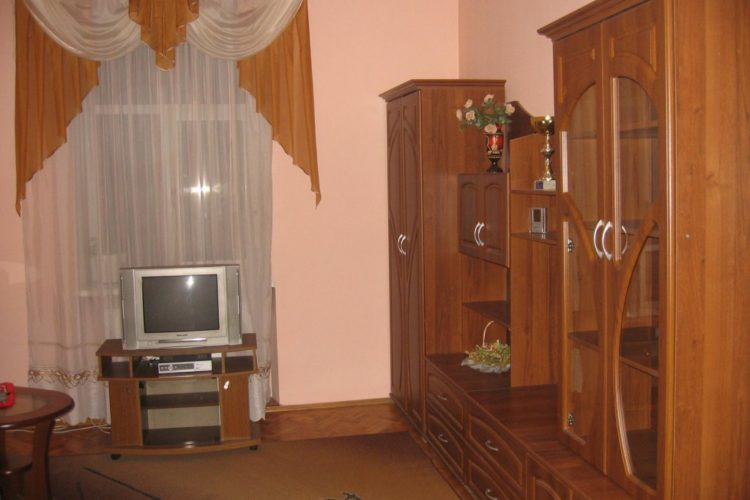 3 – bedroom apartment on the Іvana Franka street