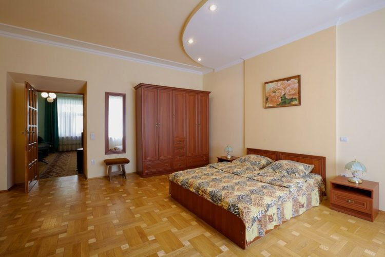 3 – room apartment on Dudayev street